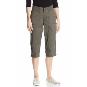 Lee Women's Skimmer Relaxed-Fit Stretch Capri Pant